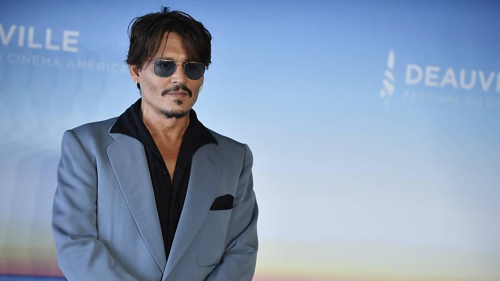 Johnny Depp verklage die britische Boulevardzeitung.