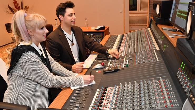 Mary Keey alias Marion Mächler und ihr Partner Luca Fina im gemeinsamen Musikstudio «77 Sound Studio» in Dulliken.