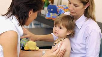 Im Kanton Solothurn sind nur 28 Ärzte tätig, die sich auf die Behandlung der kleinen Patienten spezialisiert haben. (Archiv)