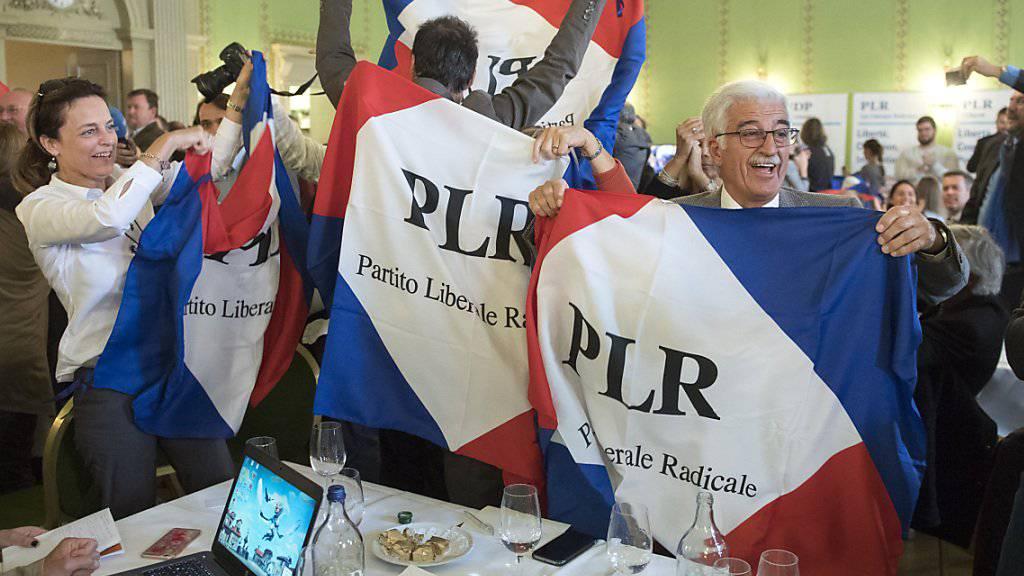 Freunde von Ignazio Cassis und die Tessiner FDP-Fraktion jubeln im Restaurant zum Äusseren Stand.