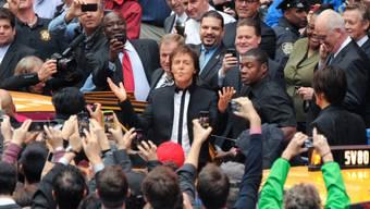 Paul McCartney beim Überraschungskonzert (Archiv)