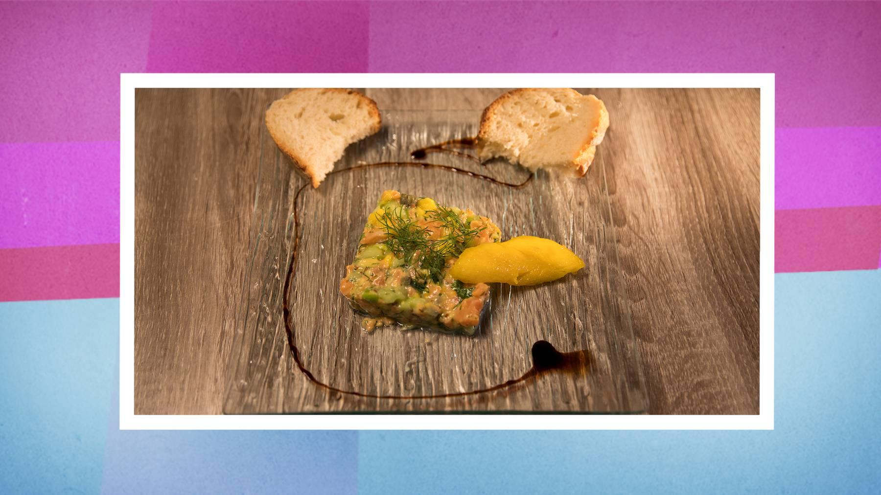 Die Vorspeise: Rauchlachs-Mangotatar mit selbstgebackenem Brot