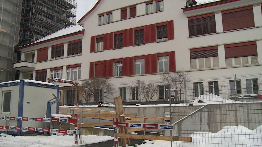 Rauchentwicklung in Altersheim - Mitarbeitende evakuieren Bewohner