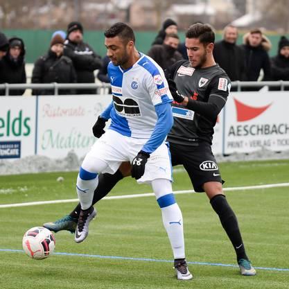 Miguel Peralta gegen Caio