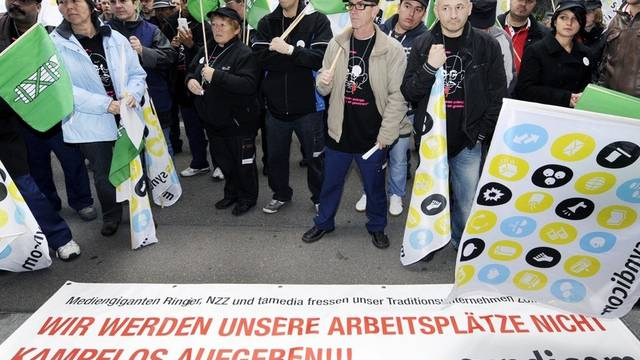 Demonstration vor dem Ringier-Haus