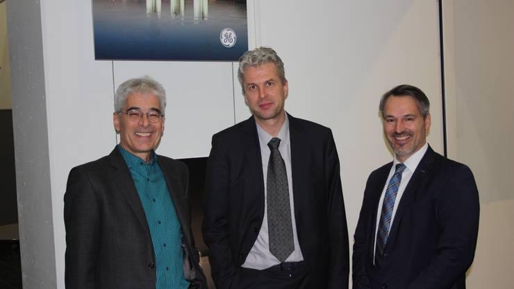 """Der Gastgeber Martin Sennhauser (li) durfte Markus Friedl (Mitte) und Thomas Peyer zum spannenden Thema """"Aus Strom wird Gas"""" begrüssen."""