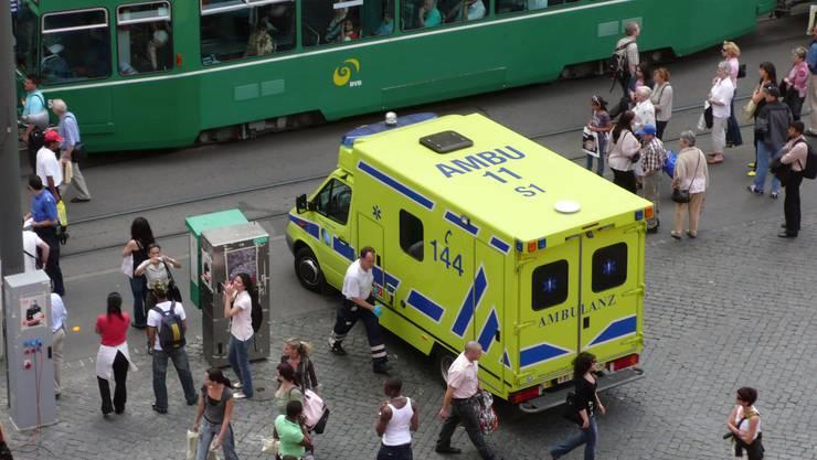 Neu werden Notrufe aus den beiden Basel an einem Ort entgegengenommen. (Symbolbild)