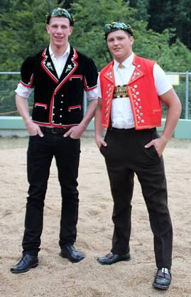Juli 2015: Die kranzgeschmückten Michael Bächli und Nick Alpiger auf dem Brünig.