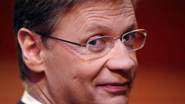 Moderator Günther Jauch hat ein Flair fürs Putzen (Archiv)