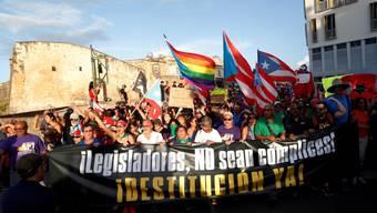 Im US-Aussengebiet Puerto Rico sind am Mittwoch (Ortszeit) wieder zahlreiche Menschen gegen die Lokalregierung um Ricardo Rosello auf die Strasse gegangen.