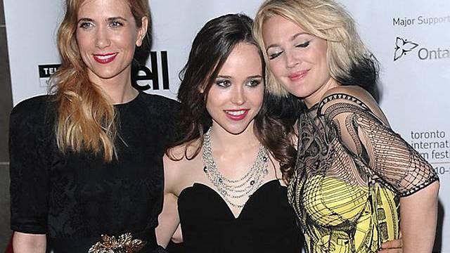 Ellen Page (M.) mit Kolleginen Kristen Wiig (l.) und Drew Barrymore (r.)
