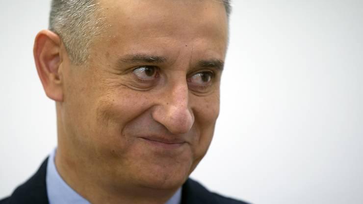 HDZ-Oppositionsführer Tomislav Karamarko kann sich freuen - er ist der voraussichtliche Wahlsieger in Kroatien.