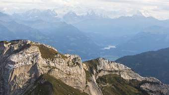 Beim Aufstieg zum Pilatus ist am Freitag ein 51-jähriger Schweizer abgestürzt. Er zog sich dabei tödliche Verletzungen zu. (Archivbild)