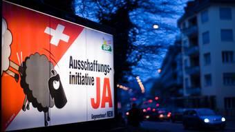 Mit der Annahme der Ausschaffungsinitiative hat das Schweizer Volk den Sozialhilfebehörden auferlegt, die Ausschaffung von Ausländern vorzuspuren.