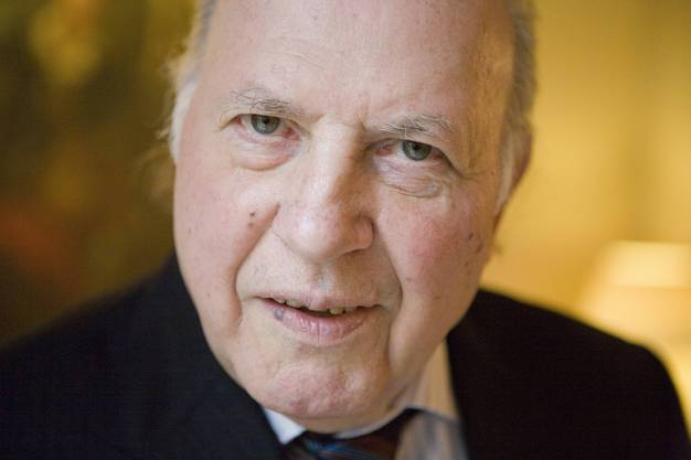 Imre Kertèsz Literaturnobelpreisträger 2002