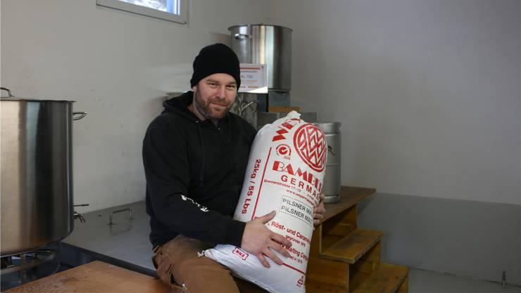 Kennt sich mit dem Brauen aus: Dino Dörig, Vizepräsident der Brauerei Rumor.