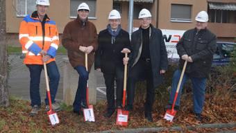 Spatenstich mit (von links) Beat Tschumi (Bauverwaltung, Tiefbau), Roland Christen (GAW-Projektleiter), Marcel Eheim, Martin Blaser und Bauverwalter Ueli Sterchi.