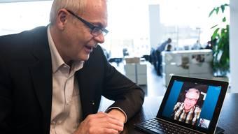 Kommunikation via über Skype oder per Handy: So bleibt Roman Seiler auf dem Laufenden, wie sein Bruder Felix im kanadischen Grande Prairie gerade drauf ist.