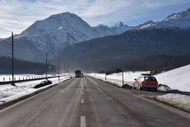 Verkehrsunfall in Samedan (© Kapo Graubünden)
