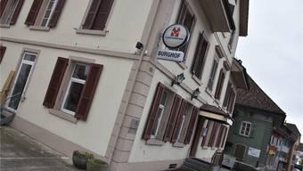 Aarburg Burghof: Die Mietverhältnisse in diesem ehemaligen Gasthaus an der Bahnhofstrasse sind der Gemeinde ein Dorn im Auge. fup