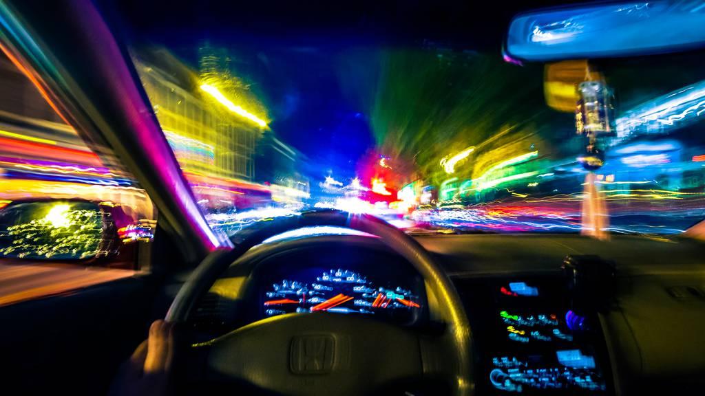 Betrunkene halten Zuger Polizei auf Trab