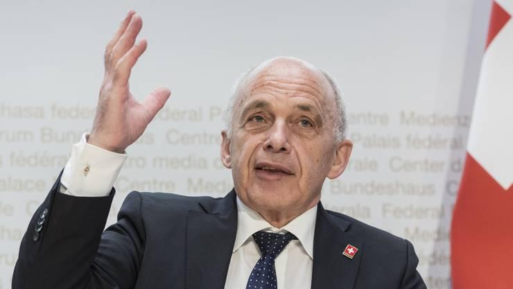Bundesrat Ueli Maurer will den Unternehmen mit 20 zusätzlichen Milliarden helfen.