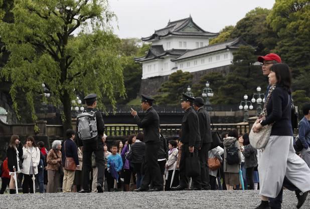 Für die Japaner ist am Dienstag die Zeit des Abschieds von ihrem beliebten Kaiser Akihito gekommen.