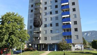 Am Dienstagmorgen kam es auf dem Balkon einer Wohnung im 3. Stock zu einem Brand. Die Ursache bleibt vorerst unklar.
