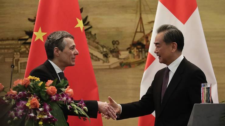Aussenminister Ignazio Cassis traf am Dienstag in Peking seinen chinesischen Amtskollegen Wang Yi.