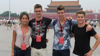 Die Schweizer Delegation an der internationalen Geografie-Olympiade von links: Rebekka Künzler, Bronzemedaillen-Gewinner Yannik Friedli, Franz Daxinger und Cédric Schneider.