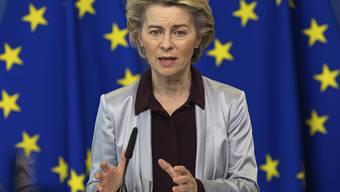 EU-Präsidentin Ursula von der Leyen: Die EU-Kommission hat einen Rahmenvertrag über bis zu 160 Millionen Dosen des aussichtsreichen Corona-Impfstoffs von Moderna ausgehandelt. Foto: Olivier Matthys/AP Pool/dpa