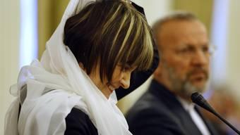 Als Micheline Calmy-Rey bei ihrem Iran Besuch 2008 ein Kopftuch trug, löste das Kritik aus.