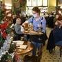 Restaurantbetriebe werden geschlossen, auch für die Festtage gibt es keine Ausnahmen. (Symbolbild).