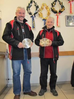 Gewinner Zinnteller Sebastian: Links Wernner Leuppi Sieger Pistolen und Peter Glaus Sieger Gewehr