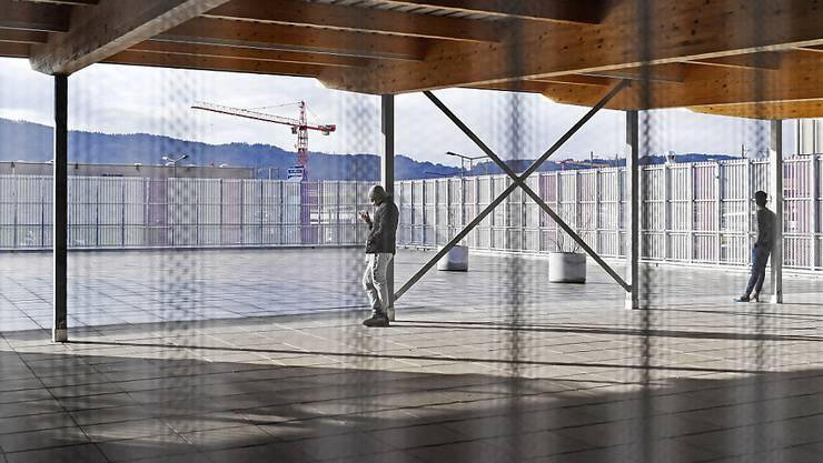 An der Einrichtung wurde jedoch nichts geändert. Die Stadt Zürich hatte sie als knausrig kritisiert. Im Bild die Dachterrasse.