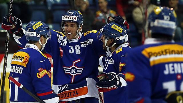 Flyers-Stürmer Sannitz (Nr. 38) eröffnete das Skore gegen Langnau.