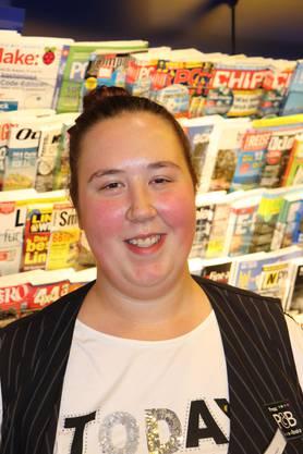 """Tanja Baumann, 22: """"Ich fühle mich ehrlich gesagt vom Frauenstreik nicht angesprochen, auch weil ich mich nicht benachteiligt fühle. Vielleicht, weil hier im Kiosk nur Frauen arbeiten. Es gibt jedoch sicher schwierige Situationen, für die es wert ist, zu streiken. Ich werde aber nicht streiken."""""""
