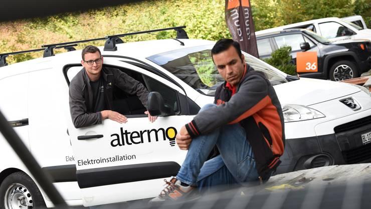 «Er passt bestens ins Team» Marcel Portmann (links) über den Asylsuchenden Allahboban Hadjatmerza.