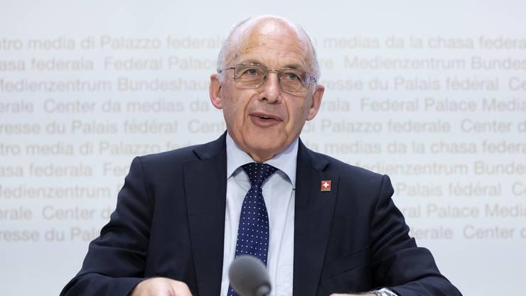 Bundesrat Ueli Maurer während einer Medienkonferenz.