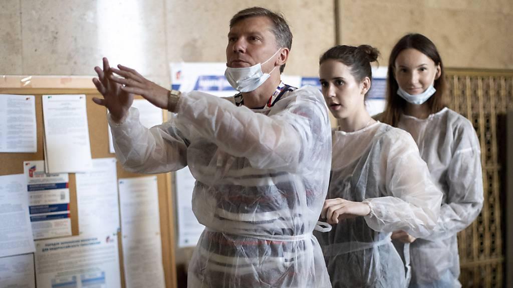 Verfassungsänderungen in Russland: Putin gibt Stimme ab