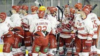 8:0! Lausannes Spieler feiern den Kantersieg in Sierre.