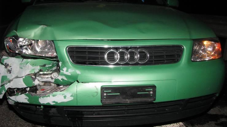 Das Unfallauto des Portugiesen nach der Kollision mit dem Polizeifahrzeug