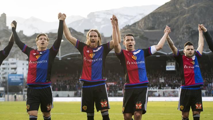 Michael Lang (zweiter v.l.) will auch weiter mit dem FC Basel jubeln – ausser, es sollte das perfekte Angebot kommen.