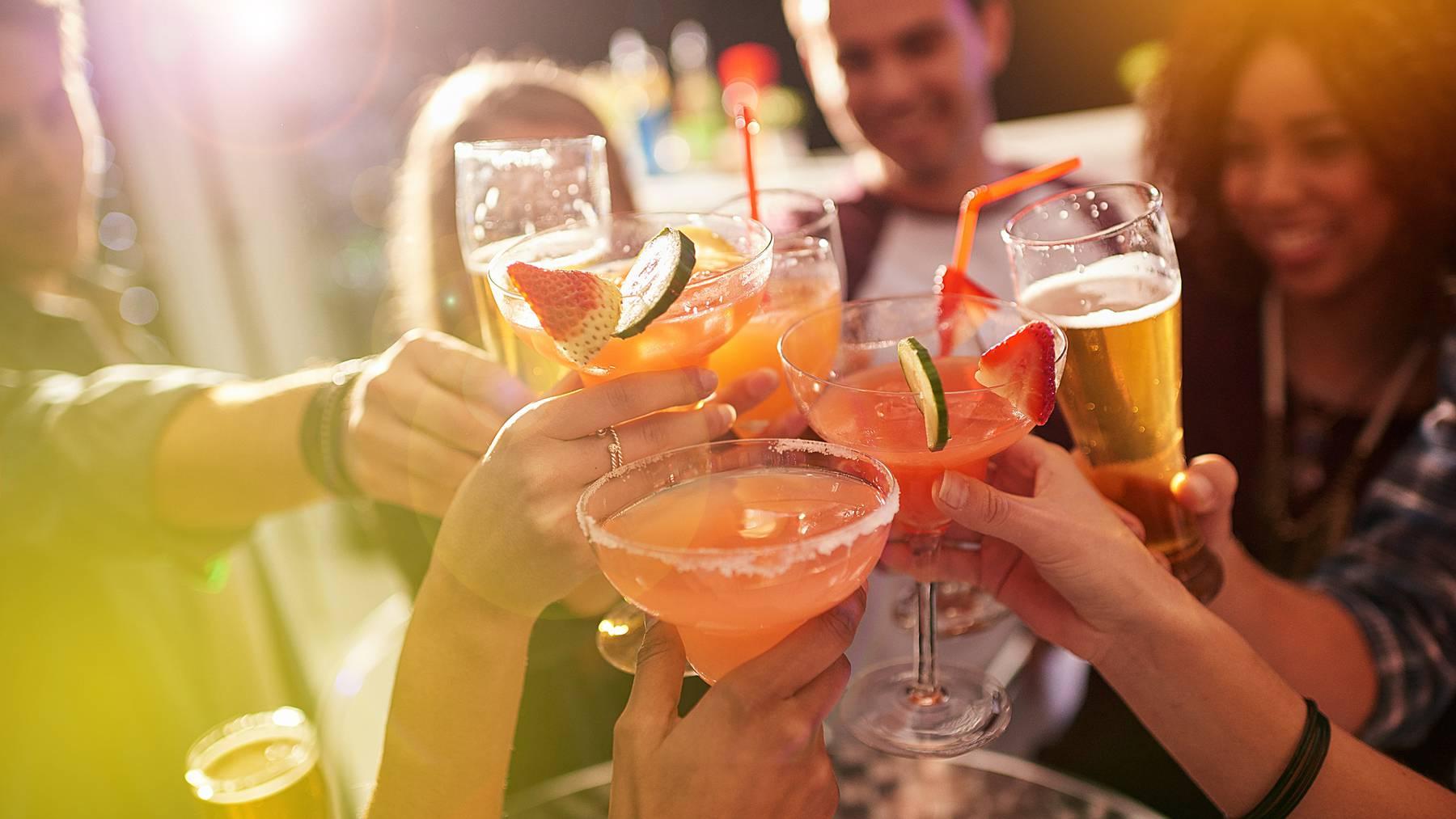 Die App will jugendlichen ein vernünftiges Trinkverhalten beibringen.