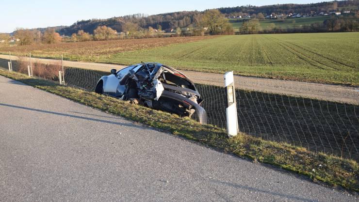Unfall auf Autobahn A5 bei Grenchen: Eine Autolenkerin stellte undefinierbare Geräusche fest und wollte auf den Pannenstreifen ausweichen.