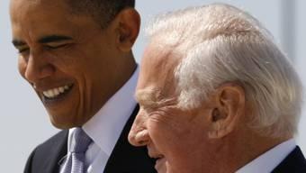 """Edwin """"Buzz"""" Aldrin mit Barack Obama (Archiv)"""