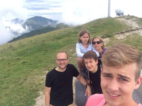 Familie Graf, Suhr: Wanderung auf den Mt. Lema.