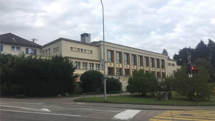 Die Realstone SA plant auf der Parzelle, auf der auch der Rheinfelder Bahnhofsaal steht, hauptsächlich Mietwohnungen.mf