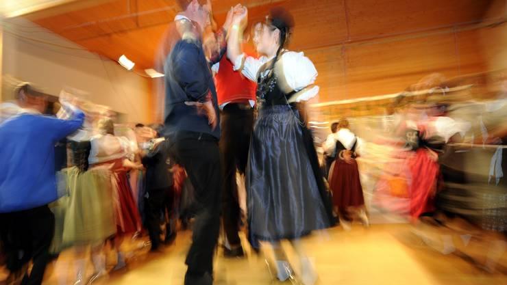 Es ist schwierig, jede Woche tanzen zu gehen – aber der fixe Termin lohnt sich für die Beziehung.