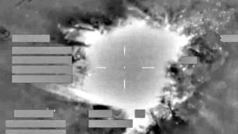 Luftaufnahmen sollen zeigen, wie ein IS-Geldlager in Mossul zerstört wird. (Symbolbild)
